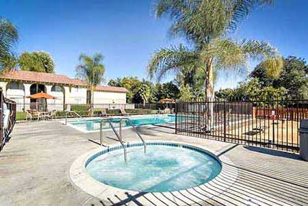 Shadow Mountain apartment community pool
