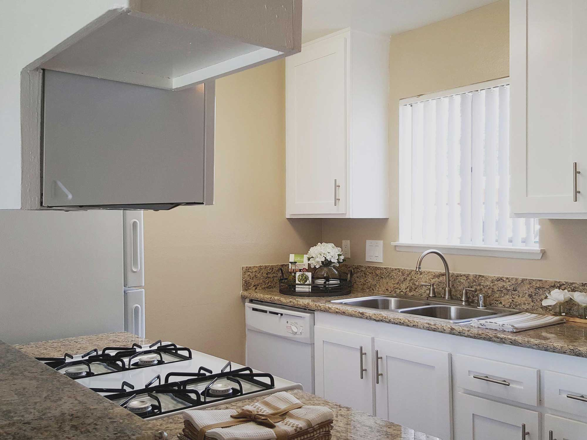 Shadow Mountain Interior Kitchen Photo